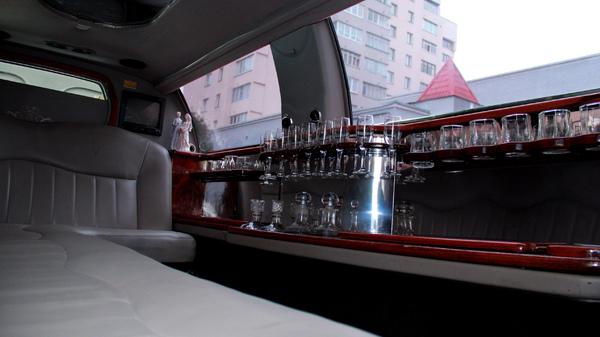 Лимузин linсoln town car